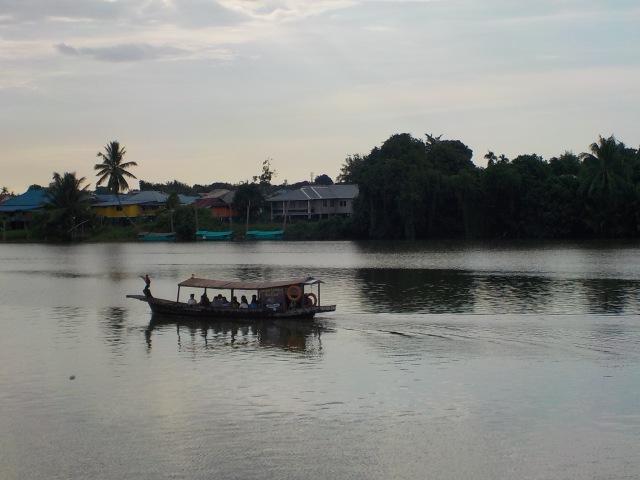 Río Sarawak, Borneo